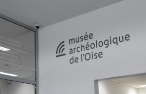 Identité visuelle signalétique du Musée archéologique de l'Oise